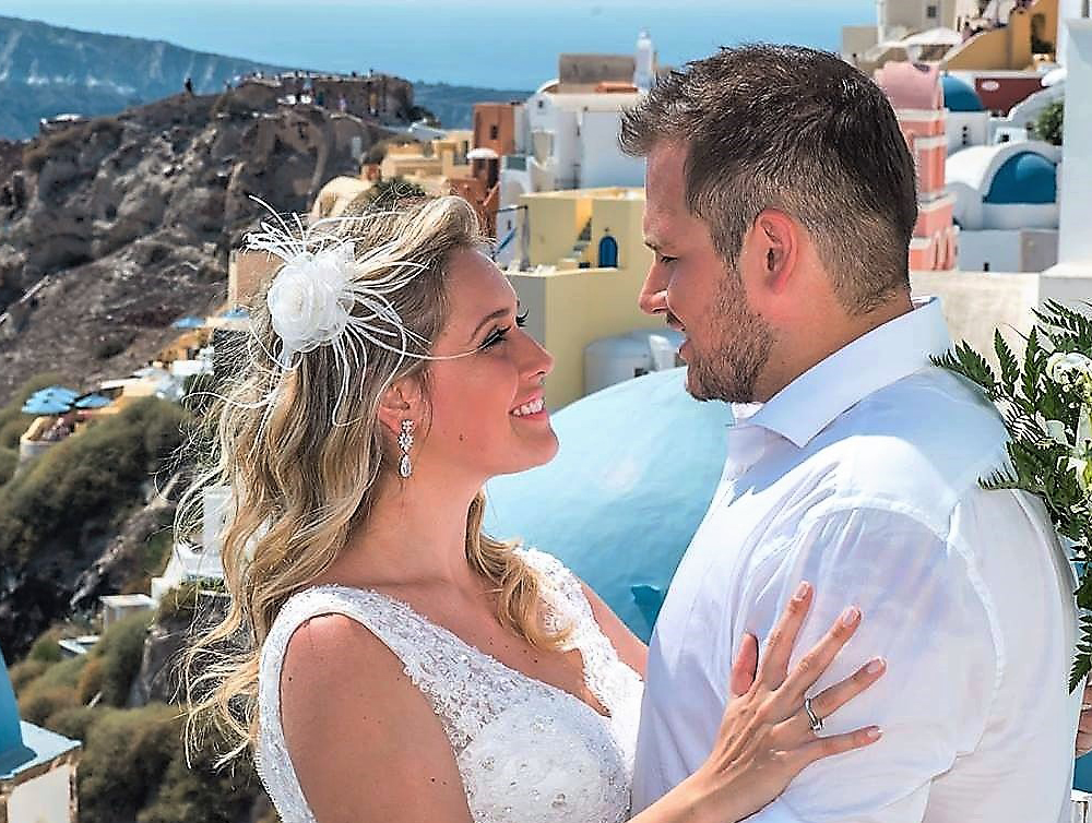 Can you legally get married in Santorini